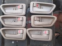 Камри 20 внутренные ручки за 5 000 тг. в Алматы