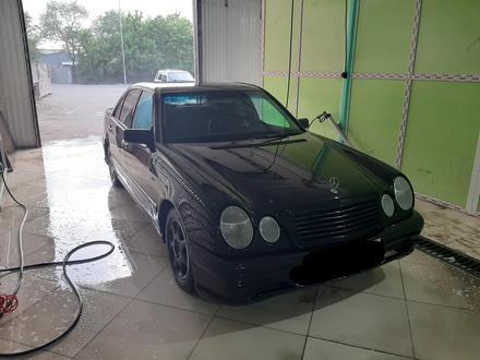 Mercedes-Benz E 240 1997 года за 1 650 000 тг. в Павлодар – фото 5