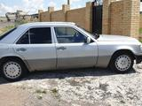 Mercedes-Benz E 260 1990 года за 1 350 000 тг. в Караганда – фото 5