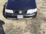 Volkswagen Sharan 1995 года за 1 650 000 тг. в Актобе