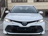 Toyota Camry 2020 года за 15 100 000 тг. в Шымкент