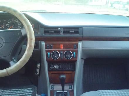 Mercedes-Benz E 260 1992 года за 900 000 тг. в Балхаш – фото 5