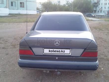 Mercedes-Benz E 260 1992 года за 900 000 тг. в Балхаш – фото 8