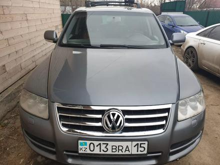 Volkswagen Touareg 2004 года за 3 000 000 тг. в Кокшетау – фото 2