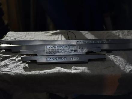 Резинки уплотнительные на гелендваген G500 W463 за 3 000 тг. в Алматы – фото 5