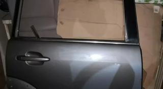 Дверь задняя правая на Lexus gx470 за 1 234 тг. в Алматы