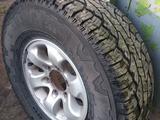Mitsubishi Montero Sport R15 Nokian, диски с резиной за 99 000 тг. в Караганда – фото 2