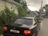 BMW 528 2000 года за 3 800 000 тг. в Тараз – фото 2
