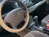 Toyota Camry 2005 года за 4 300 000 тг. в Усть-Каменогорск – фото 3