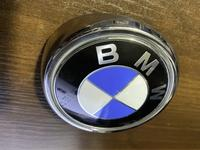 Эмблема крышки багажника BMW X6 E71 Е72 за 10 000 тг. в Алматы