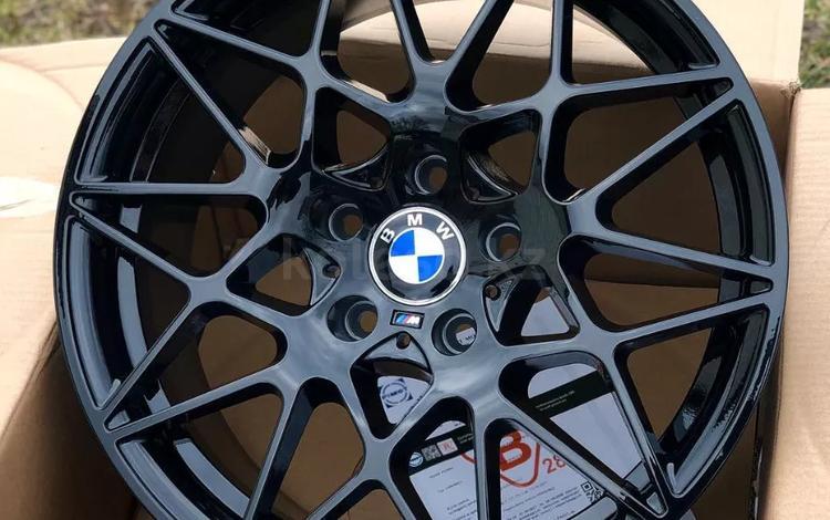 На BMW 1, 2, 3, 4, 5 6, 7, 8, 9-Series диски r18 M, с резиной и без. за 180 000 тг. в Алматы