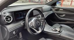 Mercedes-Benz E 200 2018 года за 16 900 000 тг. в Актобе – фото 4