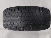 1 зимняя шина Bridgestone 235/55/18 за 19 990 тг. в Нур-Султан (Астана)