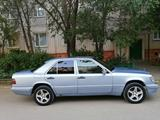 Mercedes-Benz E 220 1993 года за 2 300 000 тг. в Жезказган – фото 4