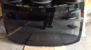 Стекло заднее на Lexus LS 460 за 50 000 тг. в Алматы