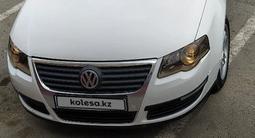 Volkswagen Passat 2005 года за 2 000 000 тг. в Атырау – фото 3