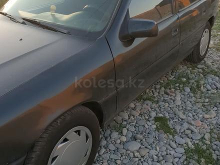 Opel Vectra 1993 года за 650 000 тг. в Шымкент – фото 3