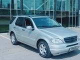 Mercedes-Benz ML 270 2001 года за 3 400 000 тг. в Алматы – фото 3