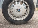 Диски с покрышкой BMW за 60 000 тг. в Караганда