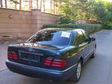 Mercedes-Benz E 300 1997 года за 3 000 000 тг. в Караганда – фото 4