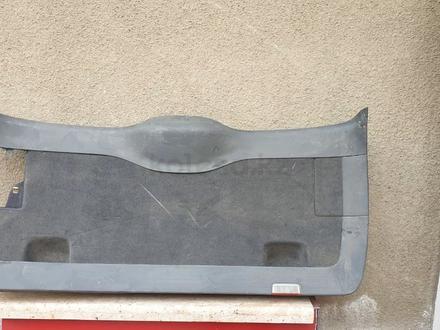 Обшивки багажника боковые Таурег за 15 000 тг. в Алматы – фото 2