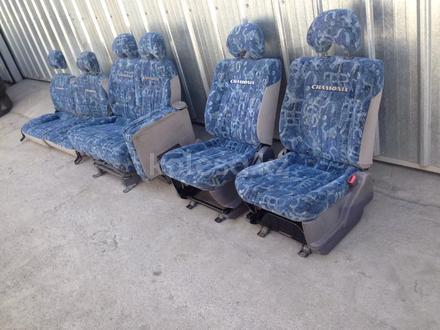 Комплект сидений на Mitsubishi Delica за 100 000 тг. в Алматы – фото 6