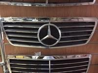 Решетка радиатора со знаком серый Mercedes w210 за 20 000 тг. в Нур-Султан (Астана)