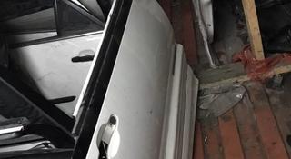 Toyota estima 1997 Двери в Алматы
