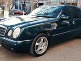 Mercedes-Benz E 240 1997 года за 3 999 999 тг. в Караганда – фото 3
