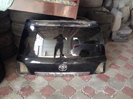 Крышка багажника тлк200, land cruiser 200 Оригинал со стеклом заводским за 100 000 тг. в Алматы