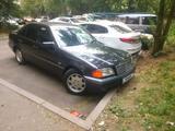 Mercedes-Benz C 220 1993 года за 1 999 000 тг. в Алматы