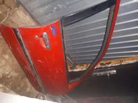 Двери правый левый за 3 000 тг. в Актобе