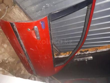 Двери правый левый за 4 000 тг. в Актобе