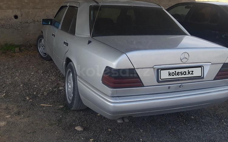 Mercedes-Benz E 320 1994 года за 2 500 000 тг. в Шымкент