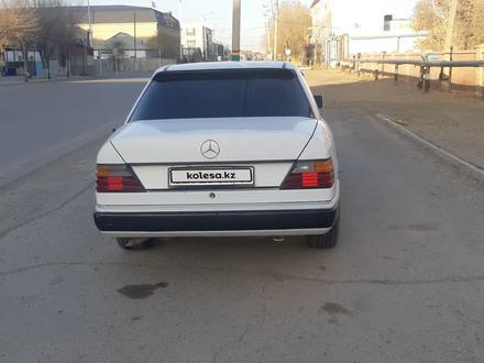 Mercedes-Benz E 230 1990 года за 1 310 000 тг. в Кызылорда – фото 2