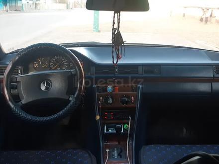 Mercedes-Benz E 230 1990 года за 1 310 000 тг. в Кызылорда – фото 3