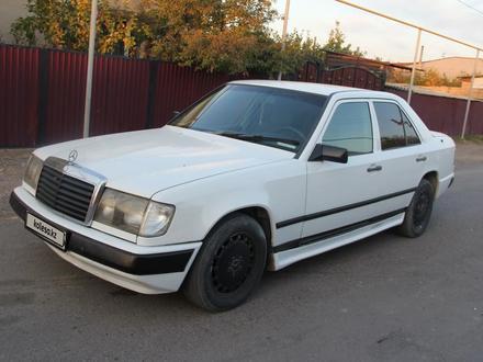 Mercedes-Benz E 200 1989 года за 1 400 000 тг. в Чунджа – фото 5