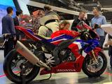 Honda  Honda CBR 1000 RR-R Fireblade SP 2021 года за 14 200 000 тг. в Новосибирск – фото 4