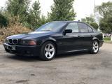 BMW 528 1999 года за 2 360 000 тг. в Караганда – фото 2