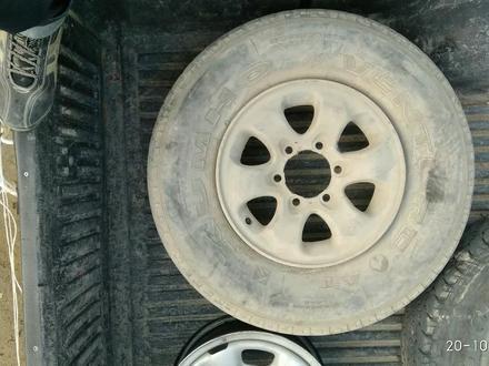 Шина с диском паджеро за 15 000 тг. в Актау