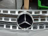Передняя решетка на Mercedes x164 ML рест за 100 000 тг. в Алматы