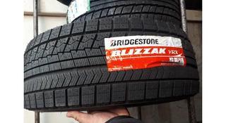 Bridgestone 245/45R18 Blizzak VRX за 80 000 тг. в Алматы