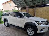 Toyota Hilux 2018 года за 18 500 000 тг. в Алматы – фото 2