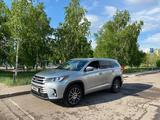 Toyota Highlander 2017 года за 17 800 000 тг. в Нур-Султан (Астана)
