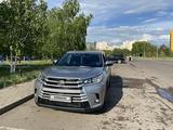 Toyota Highlander 2017 года за 17 800 000 тг. в Нур-Султан (Астана) – фото 2