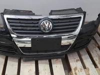 Передний бампер Volkswagen Passat за 10 000 тг. в Нур-Султан (Астана)