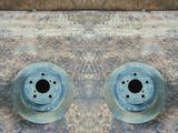 Тормозной диск задний на Subaru Forester 1997-2002 год за 3 000 тг. в Алматы