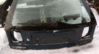 Крышка багажника на Volvo v40 за 666 тг. в Алматы