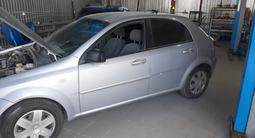 Chevrolet Lacetti 2009 года за 1 600 000 тг. в Атырау – фото 2