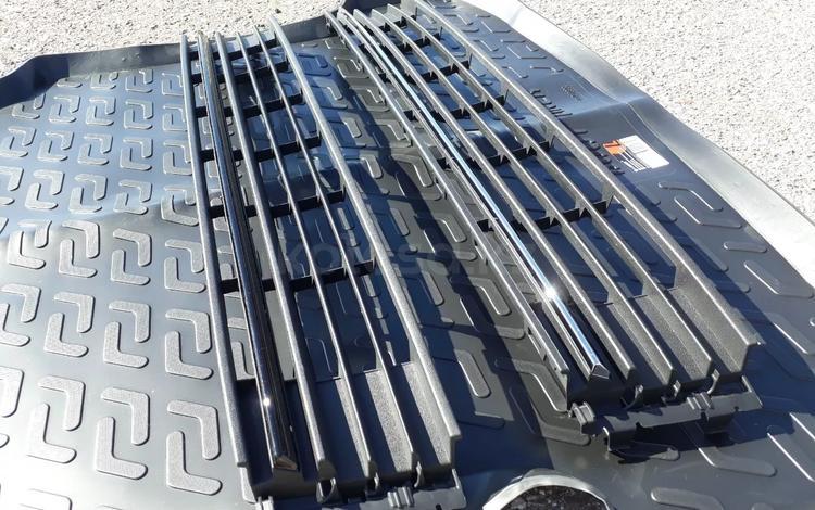 Решетка бампера черная (рестайлинг) на VW Polo 09 - 17… за 888 тг. в Караганда